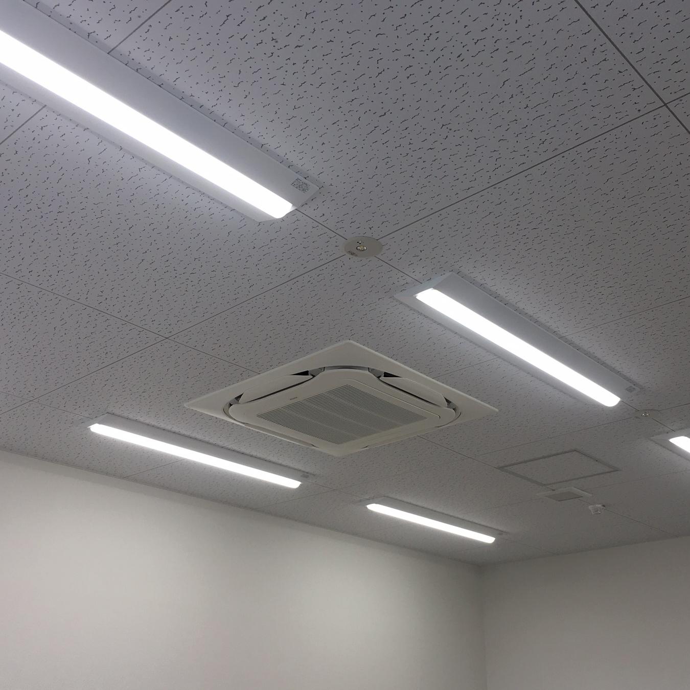 徳島・香川のオフィス内装工事|LED照明への改修電気工事