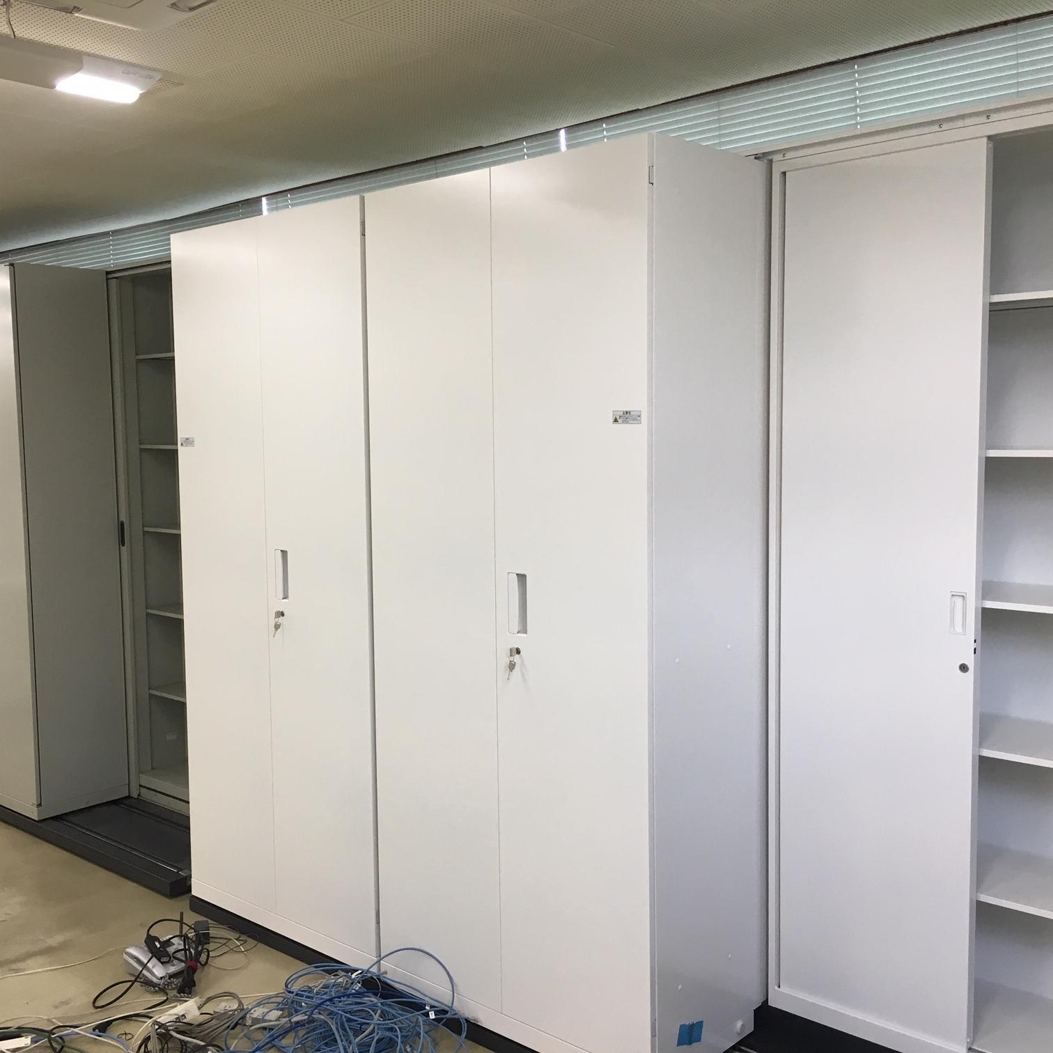 徳島・香川のオフィス内装工事|横移動式・スライド式書庫(書架)の施工