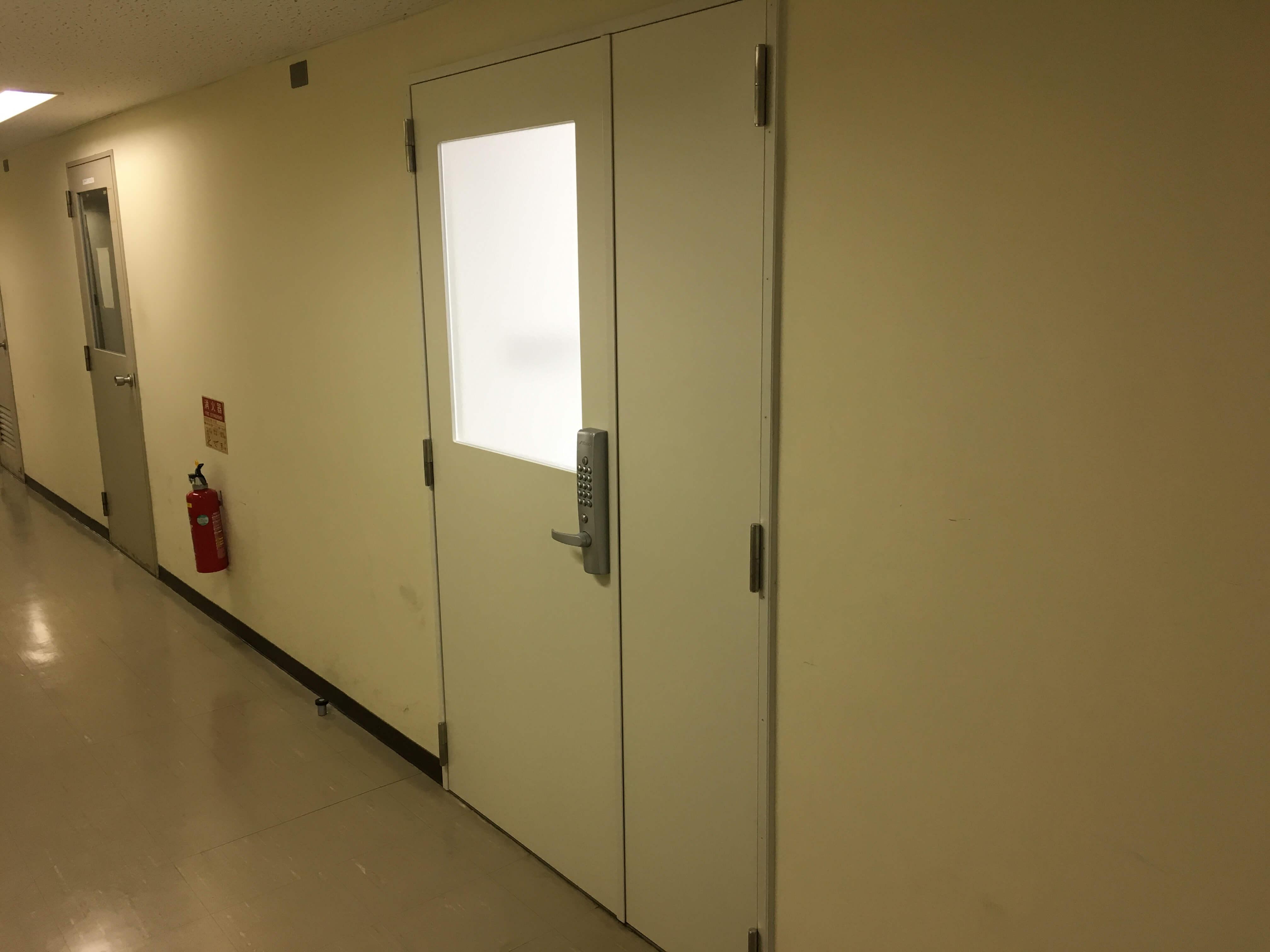 既存のドア枠はそのまま使用