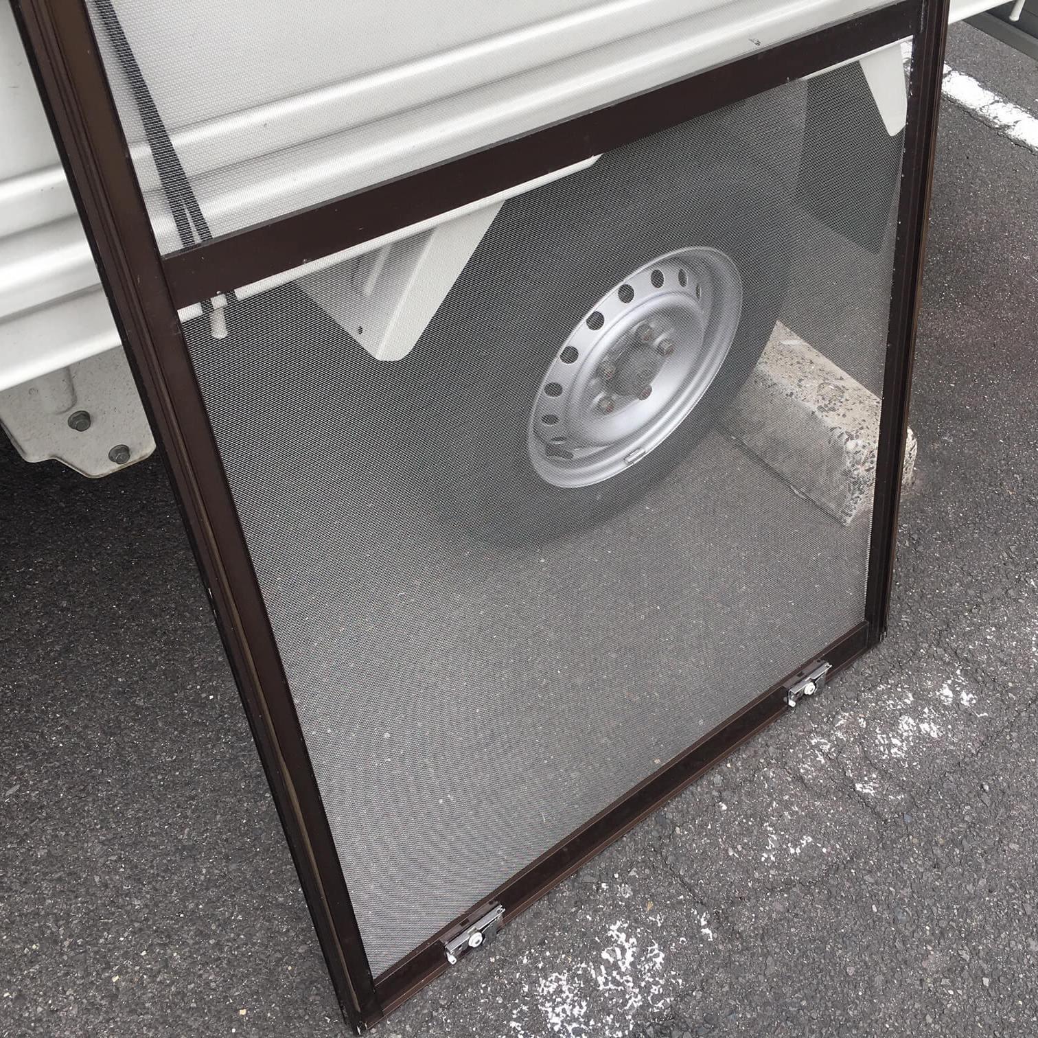 徳島・香川のオフィス内装工事|網戸の張り替え修繕(ステンレスネット)