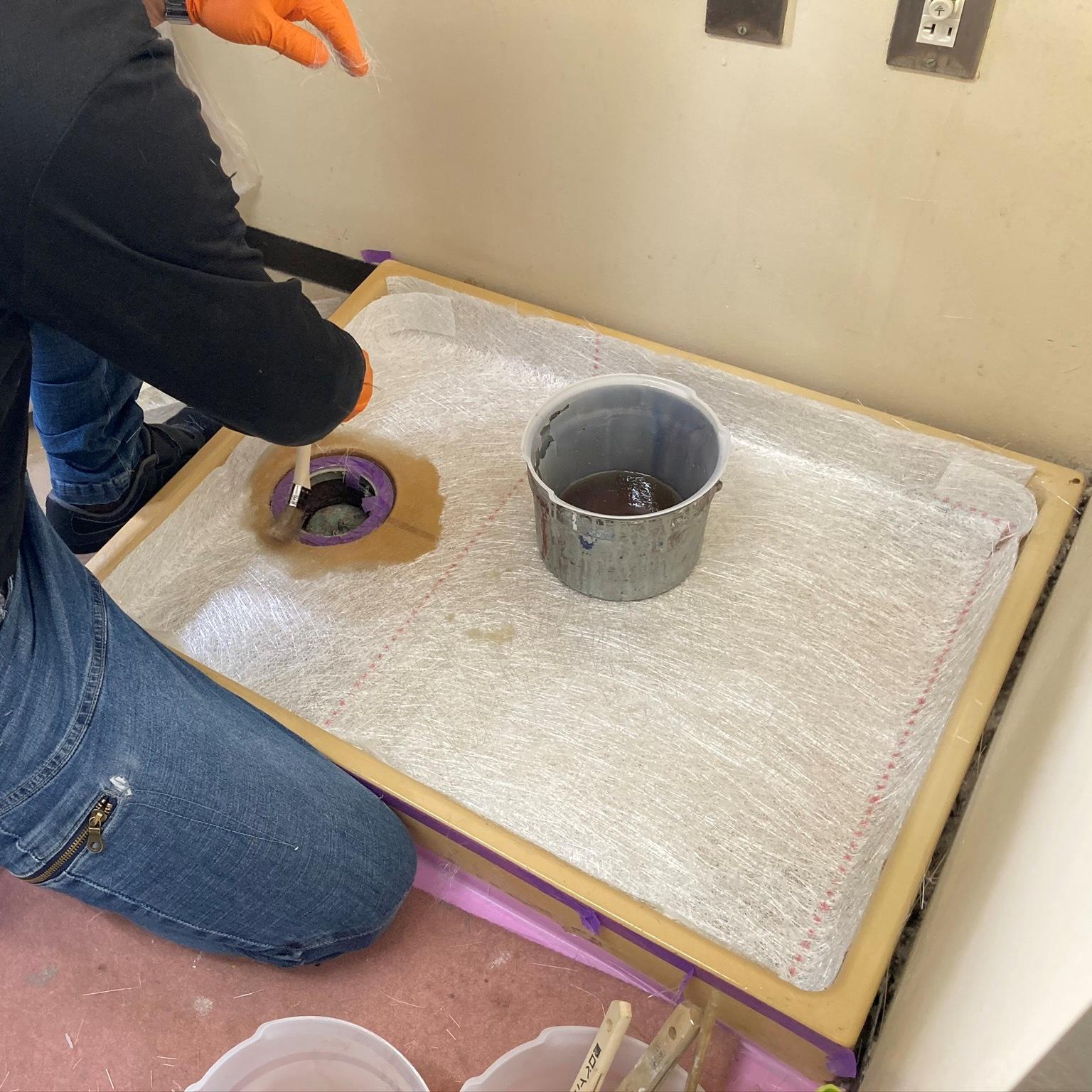 徳島・香川のオフィス内装工事|洗濯パン(防水パン)のFRP補修工事
