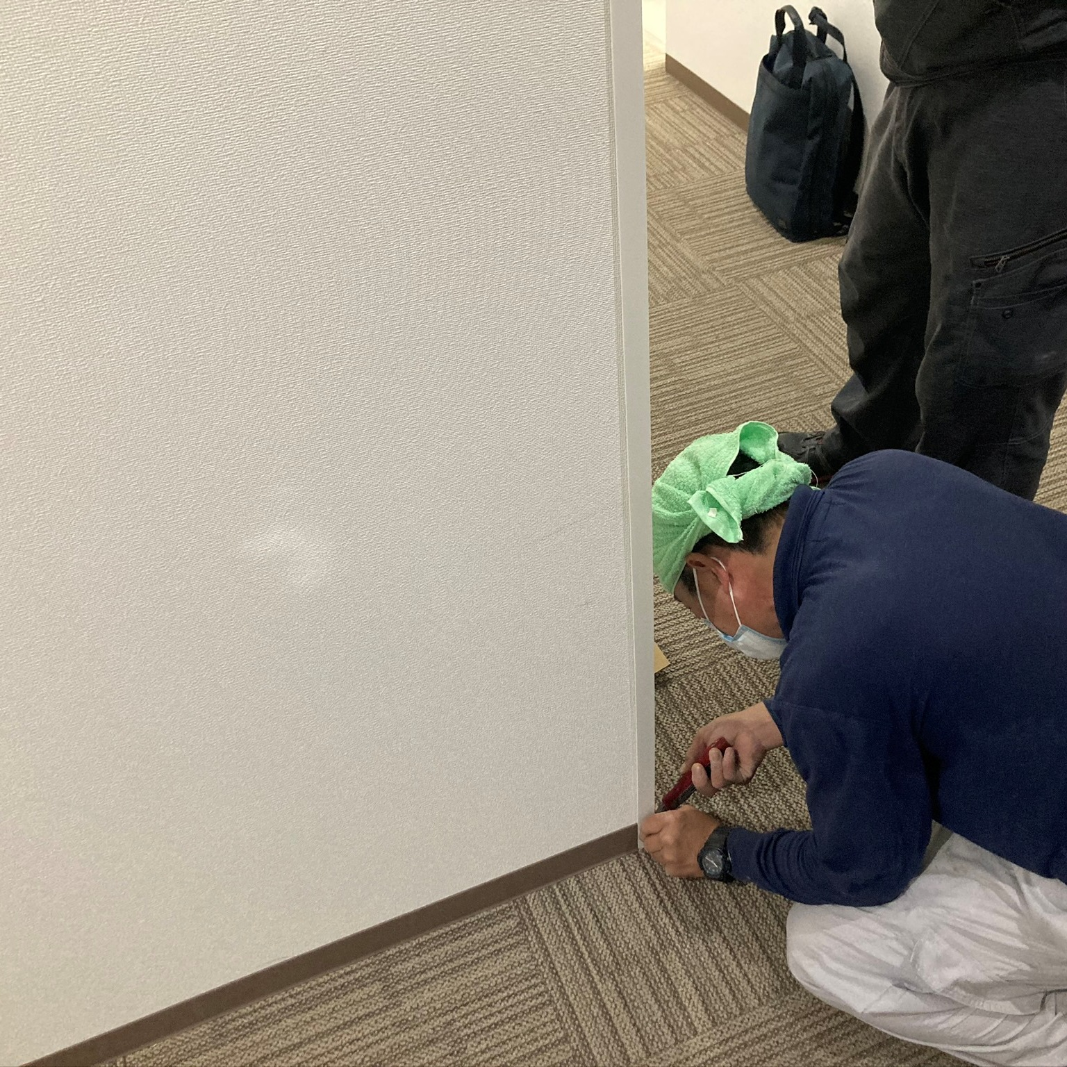 徳島・香川のオフィス内装工事|通路壁 出隅の補修・修繕