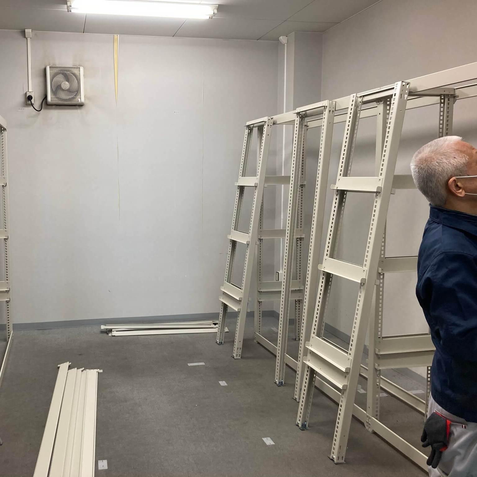 徳島・香川のオフィス内装工事|H2100 物品棚(中量ボルトレスラック)の組立・設置(高松)